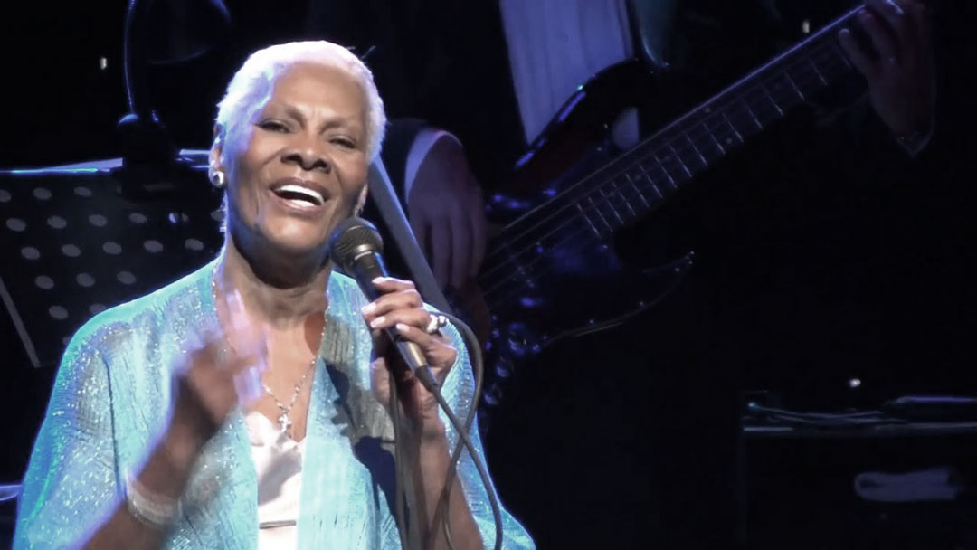 Dionne Warwick singing one of her greatest hits live.