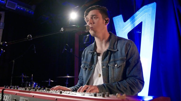 Lauv Live in the Philippines 2019